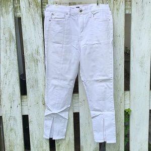 GAP 1969 Jeans. Size 31. NWOT.